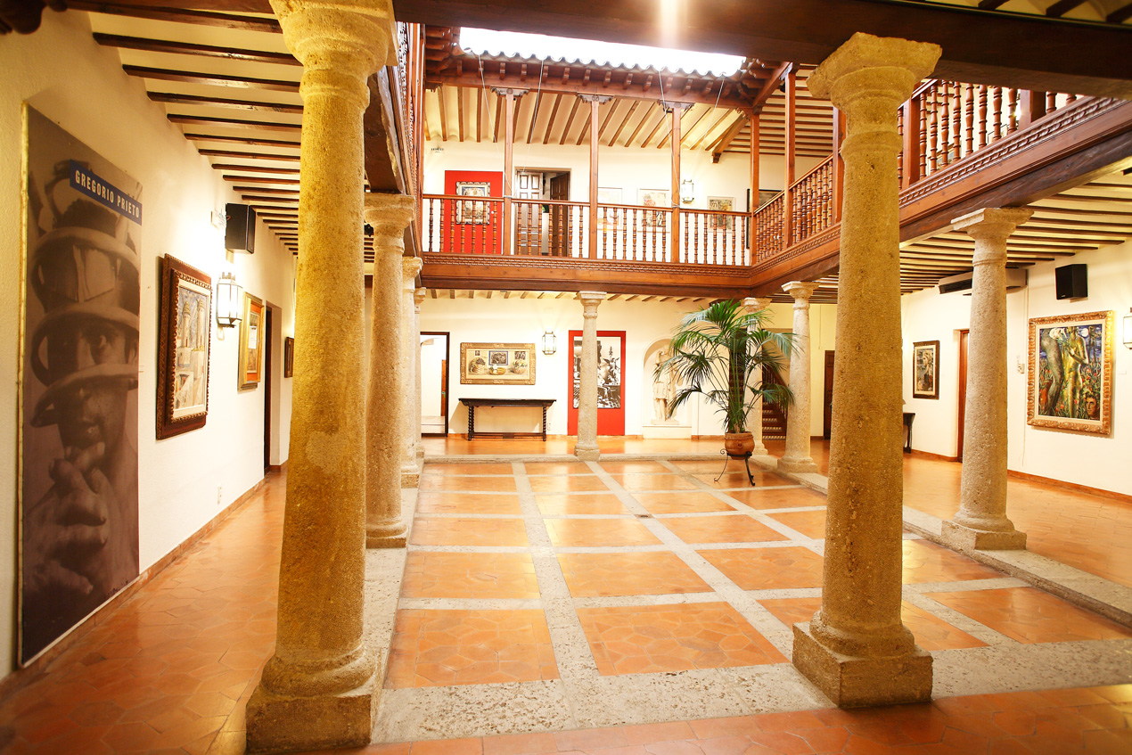 Large central courtyard
